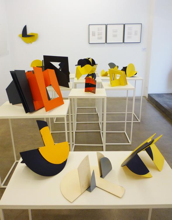 Serie escultórica Ángeles Marco, en la exposición de la galeria de arte Espaivisor de Valencia España