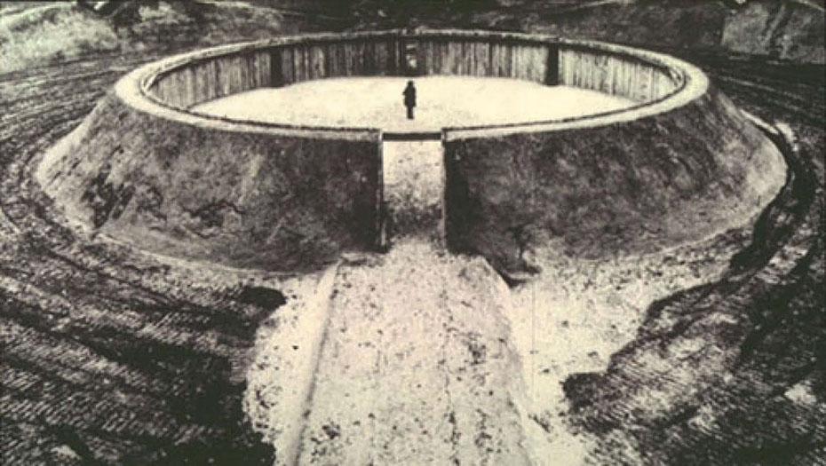 Land Art.Observatory de Robert Morris Holanda1971